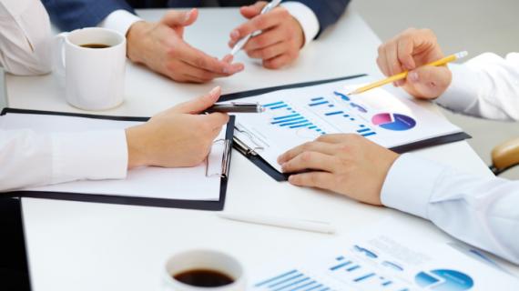 Keuntungan Dan Resiko Dalam Bisnis Saham