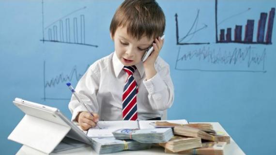 Pentingnya Mengajarkan Uang Pada Anak Sejak Dini